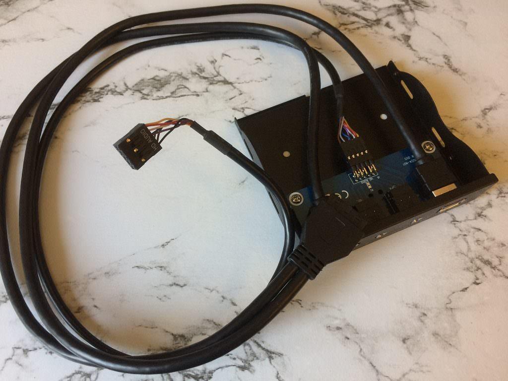 3.5″ панель с USB 3.0 и аудио
