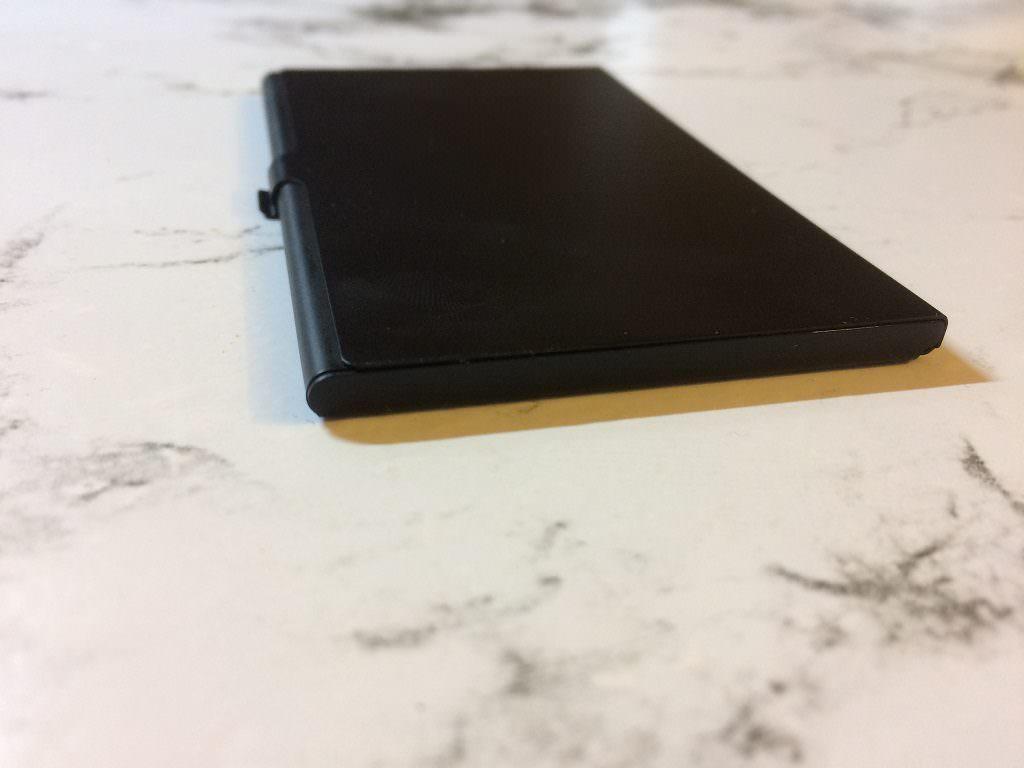 Алюминиевый кейс для microSD-карт
